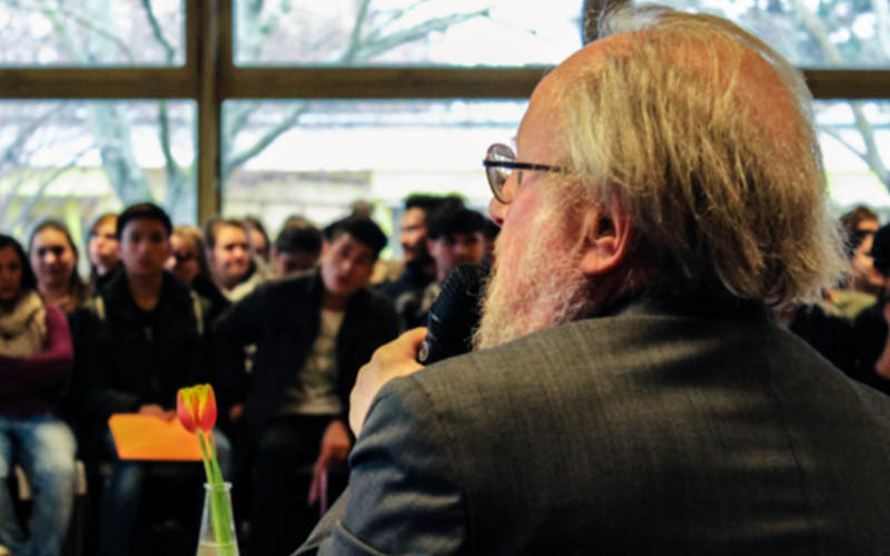 Bundestagspräsident a. D. diskutiert mit Berliner SchülerInnen über Rassismus
