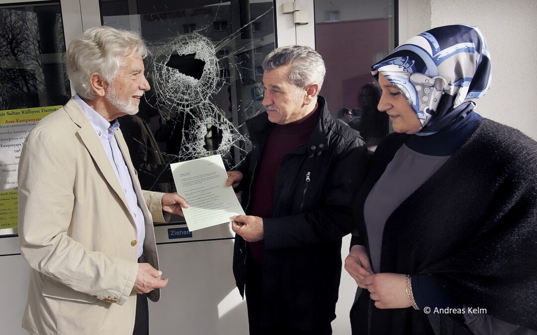 Solidaritätsbekundung: Anschläge in Darmstadt