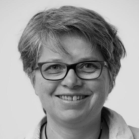 Dr. Margit Roth